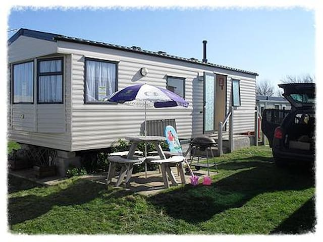 Low Cost, Clean, Accommodation - England - Inny