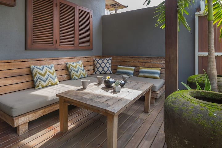 Monthly Rental - TEMPEL HOUSE, 2BR Surfer Home