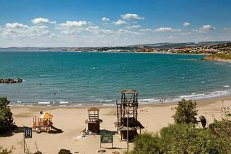 Location!Location!Location! Costa del Sol,Estepona - Estepona