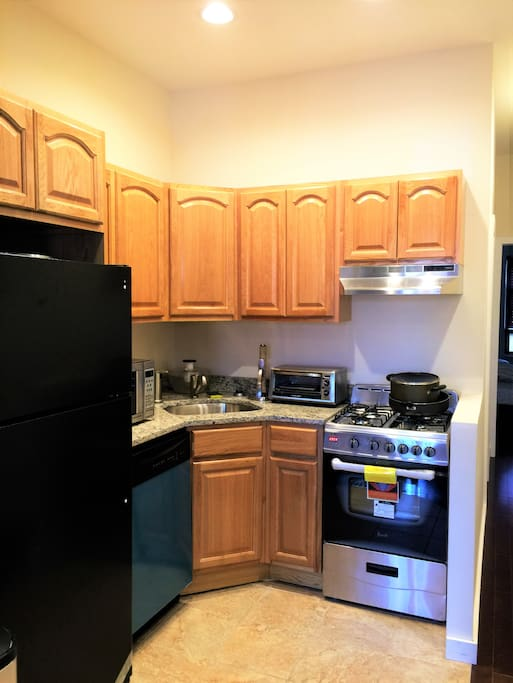 Modern Kitchen with all new appliances for guests who like to cook!