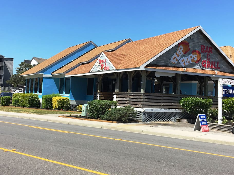 Flip Flop Bar and Grill is next door to Shipwatch Pointe!!