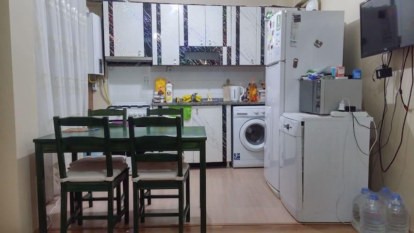 Double Private Room + Wifi + Kitchen Metro 4min/dk