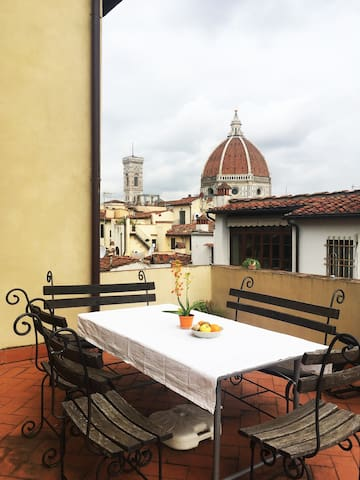 Private room with a view in the center of Florence