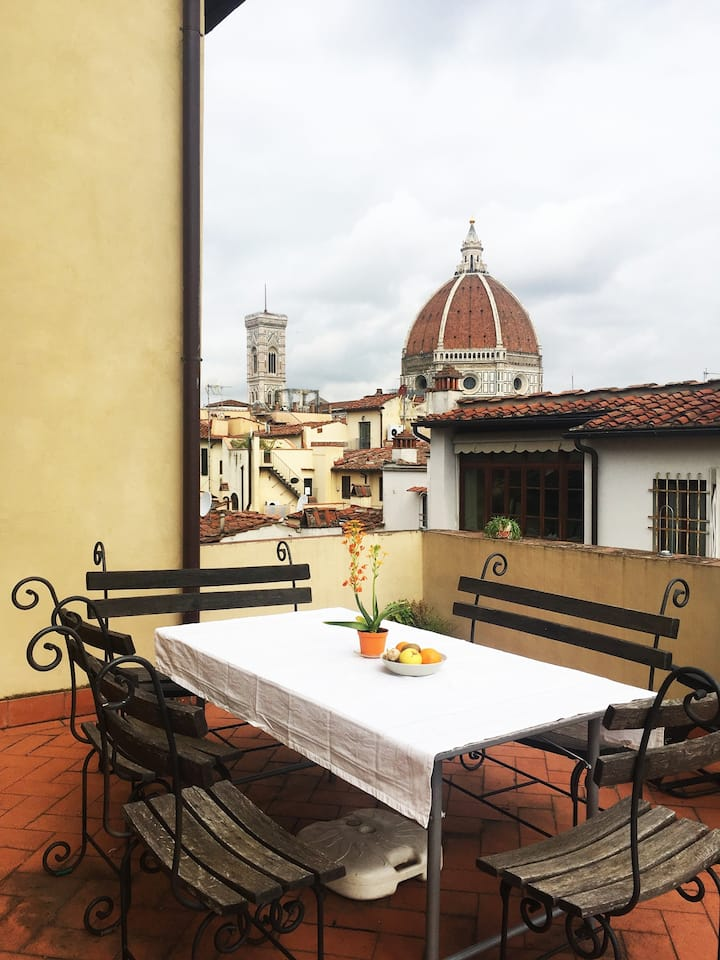 Private room with a view in the heart of Florence