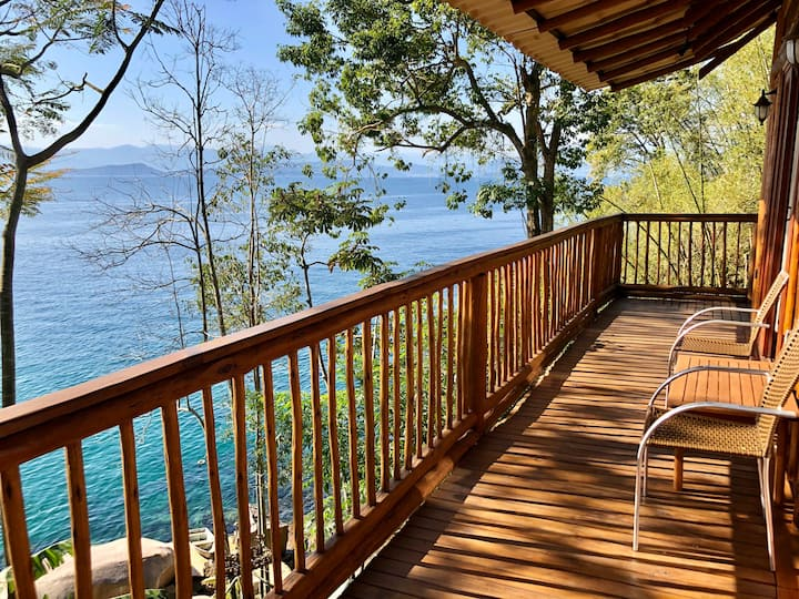 Ilha Grande,  RJ - Chalé Exclusivo Frente pro Mar