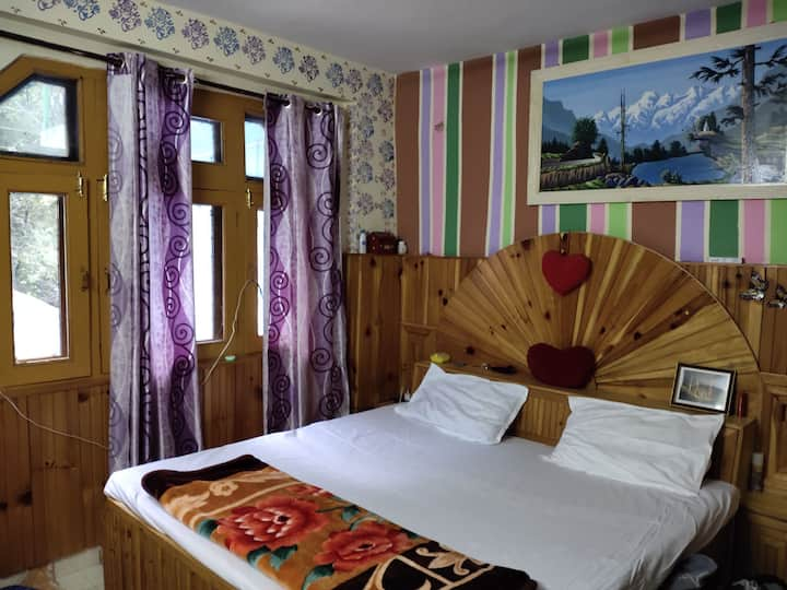 Private room  2 inSummer hill river view home stay