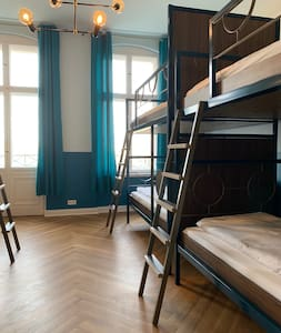Bed in 6 Bed Dorm with breakfast