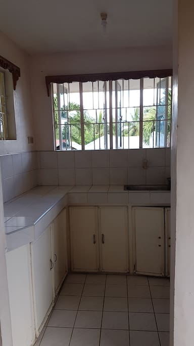 Kitchen, can cook dirty Kitchen available downstair