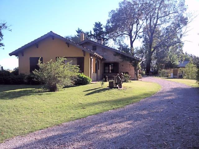 Casa de Campo Tihista Etxea - Maldonado - Huis