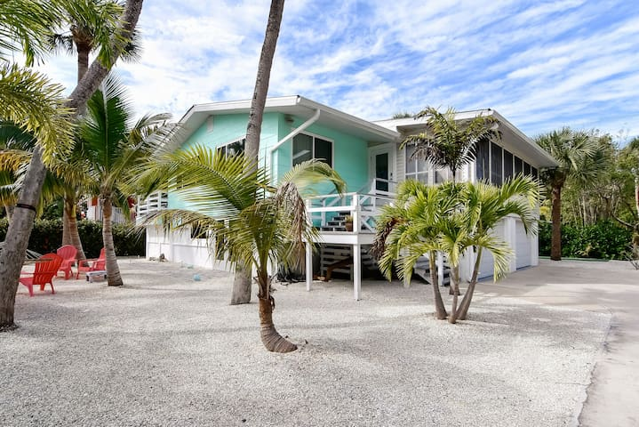Not Your Typical Beach House - Fort Myers Beach - House