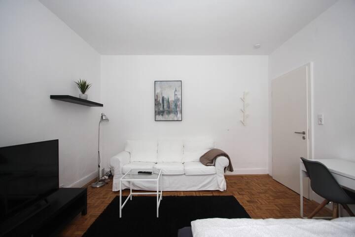 Frankfurt-Rödelheim,möbliertes Zimmer WG-Apartment