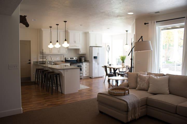 Modern Guest Apartment w/ Mountain Vista Salem, UT