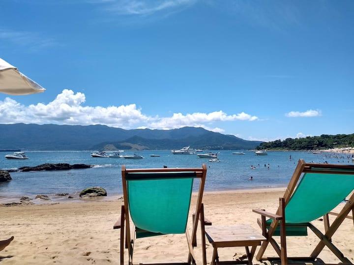Bangalô 2 suítes Ilhabela Praia do Curral -Yacamim