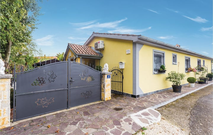 Beautiful home in Sveti Lovrec with WiFi and 2 Bedrooms