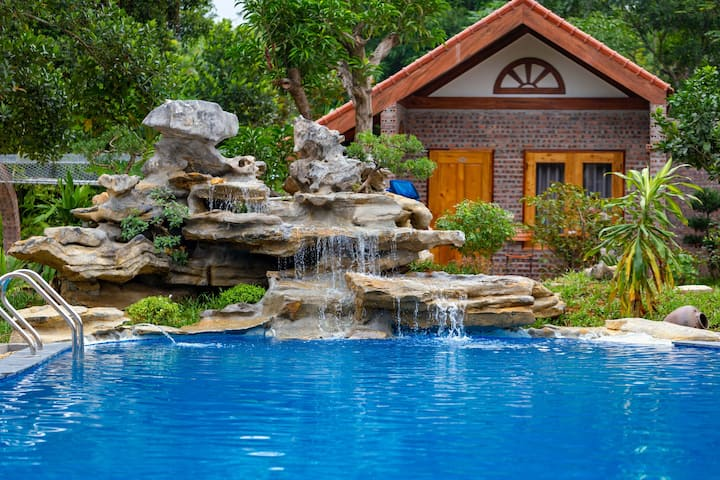 Deluxe Family Bungalow Poolside & Garden