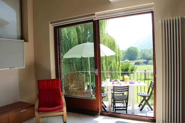 Holiday home with parking, 5 minute to Lake Como