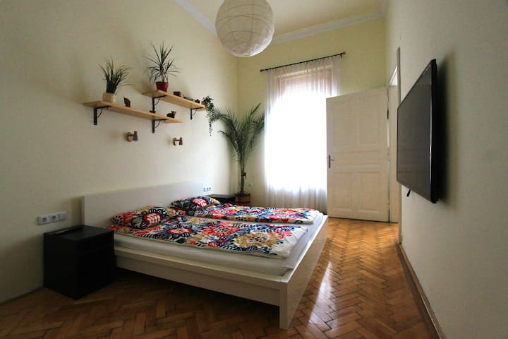 Cosy apartment in downtown with A/C (70 m2)