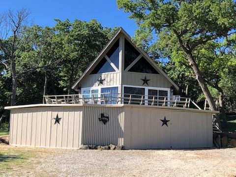 DJ's Friends & Family Lakeview Retreat