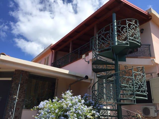 Le Jucche casa vacanze - Villa San Giovanni