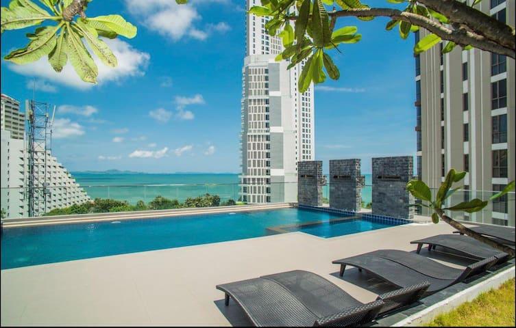 ❤️Stylish,Privacy,Rooftop pool Serenity Pattaya海滩