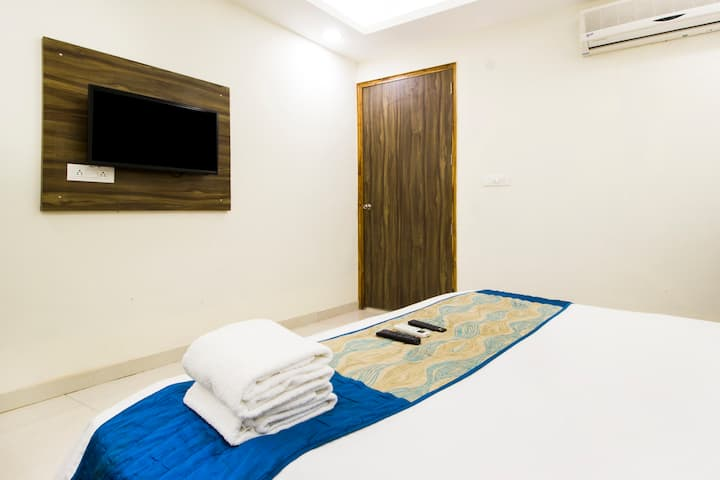 Classic Room Near Delhi Airport
