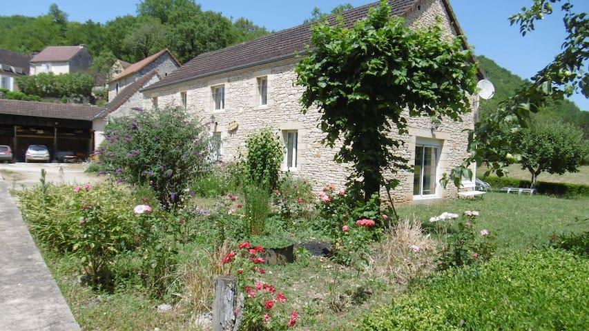 Gite typique Périgord Noir Dordogne Sarlat  !