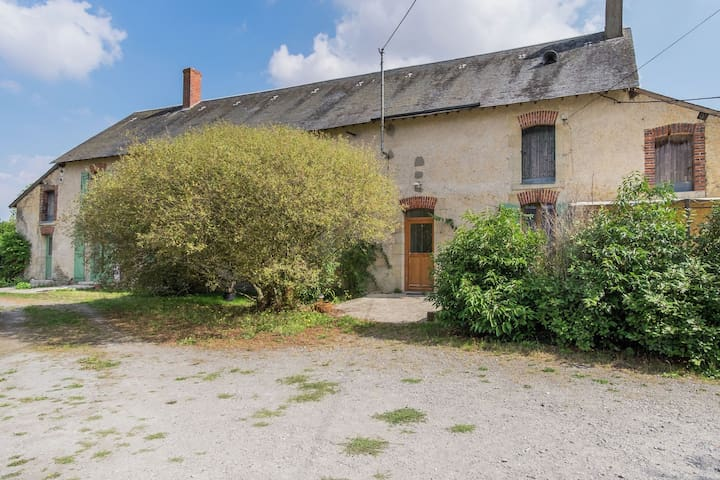 Casa in un'antica fattoria nei pressi di Chateauroux