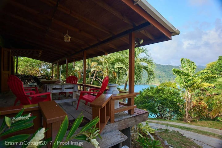 Erasmus Cove Villa: rainforest, beach, waterfall