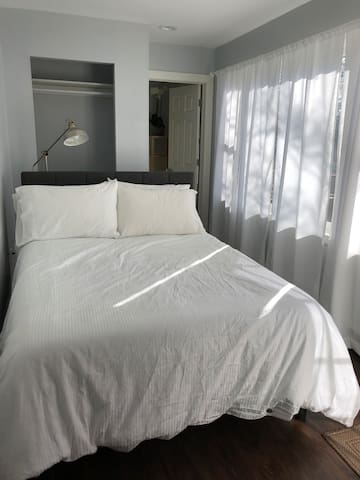 First floor bedroom with en suite bathroom