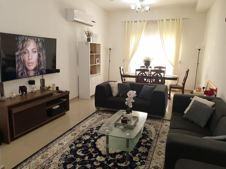 Private Apt + King Bed + Wifi + BeIN TV + Parking_