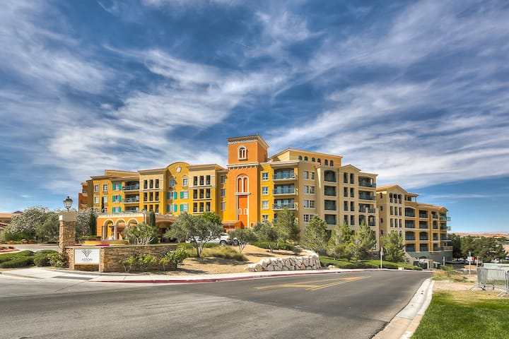 Luxury Suite Studio In Upscale Resort, Las Vegas, Lake Las Vegas