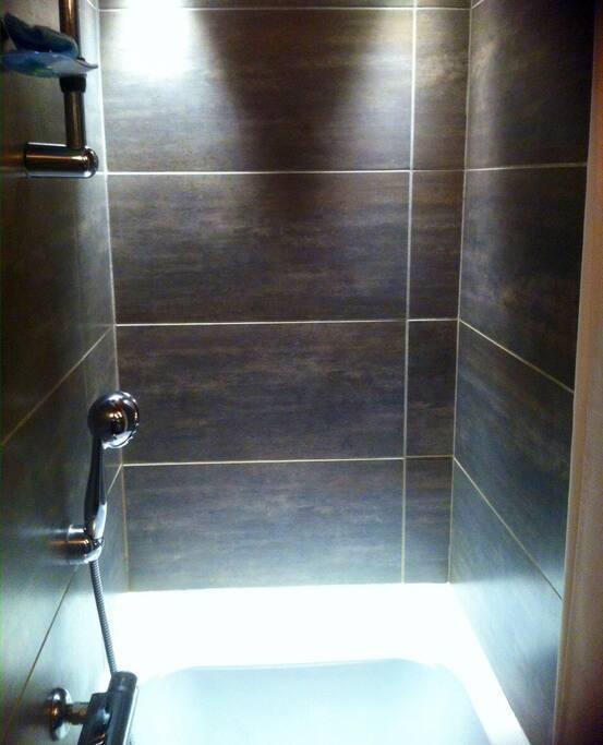 Salle de bains baignoire sabot