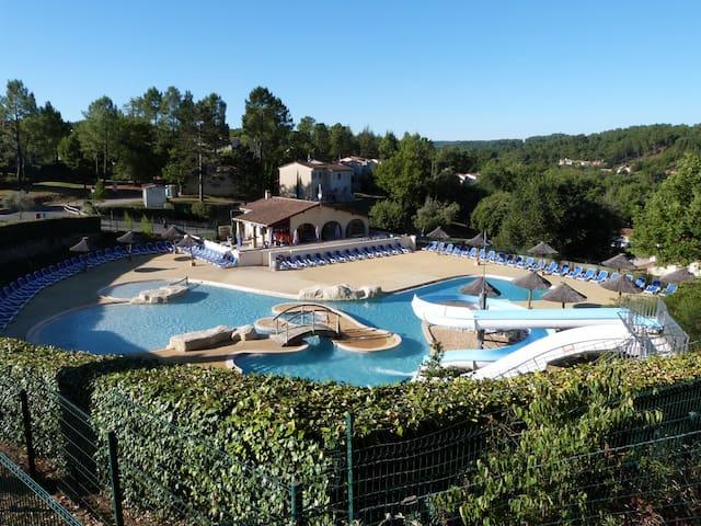 location dans résidence de tourisme - Vallon-Pont-d'Arc - Kondominium
