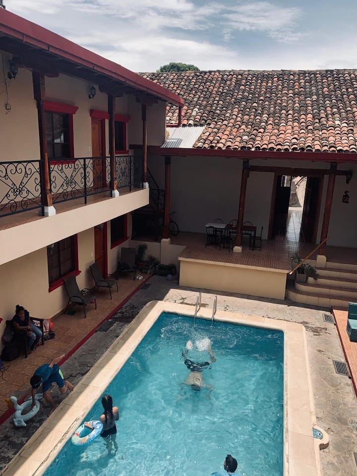 Hotel  Don Gato, todo en un solo lugar