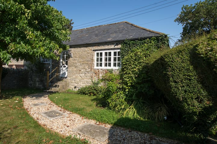 Gardeners Cottage in peaceful hamlet of Somerset - Mudford - Hus
