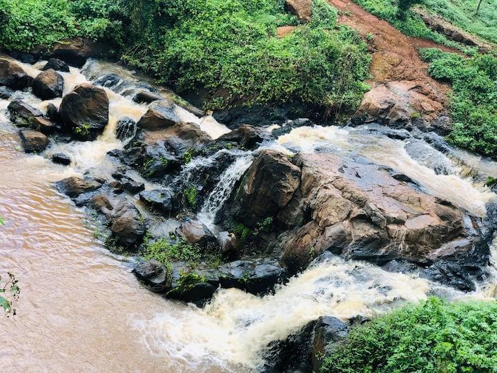 Waterfall side home stay UN Runda (Nairobi)