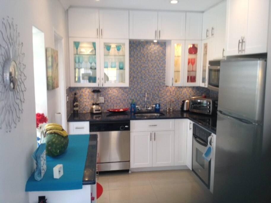 Kitchen, stainless Steel appliances, dishwasher, granit.