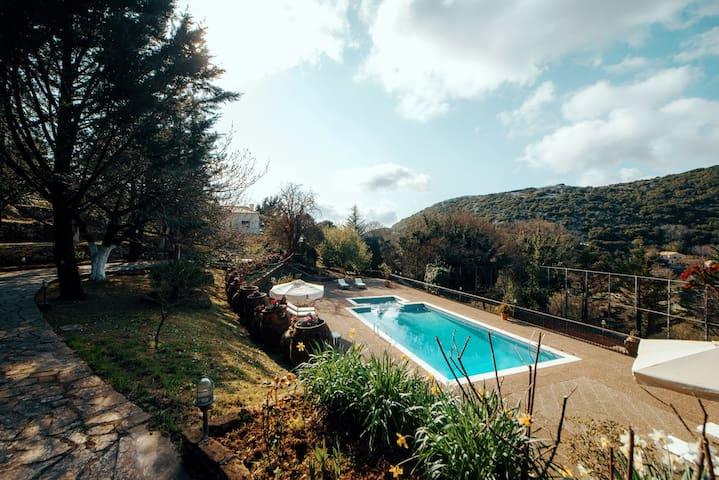 Petaleia Villa for 5 with Swimming Pool & garden - Corfu - Villa