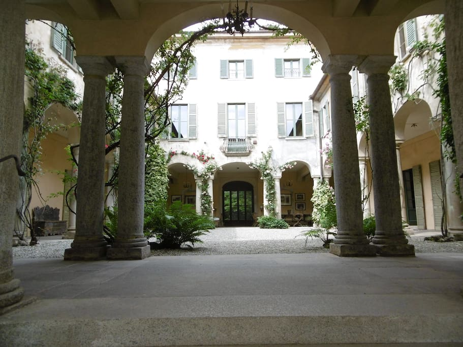 Il cortile delle 40 colonne