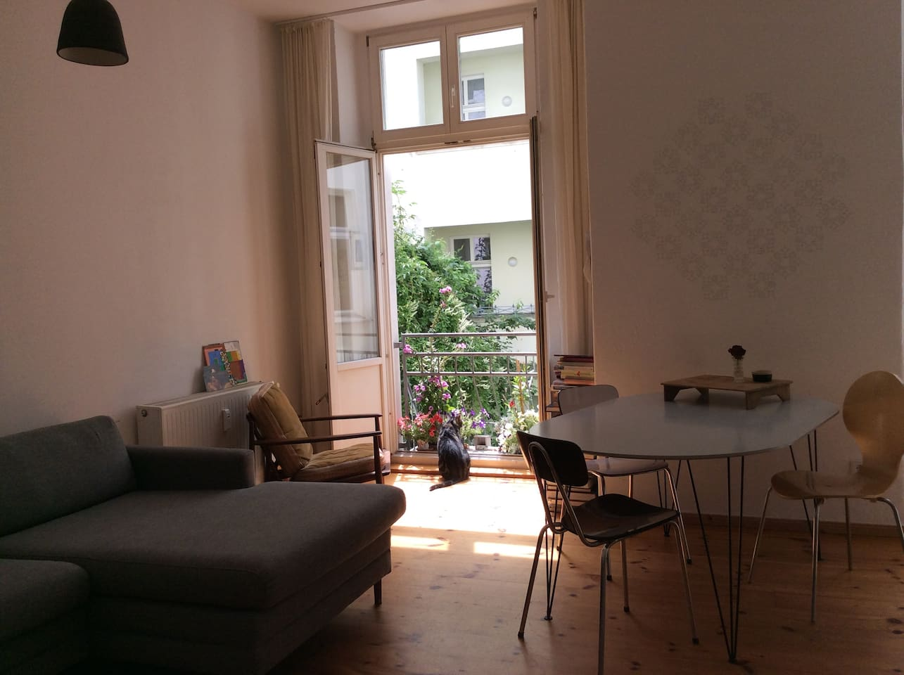 Spacious flat in central Berlin close to Mauerpark