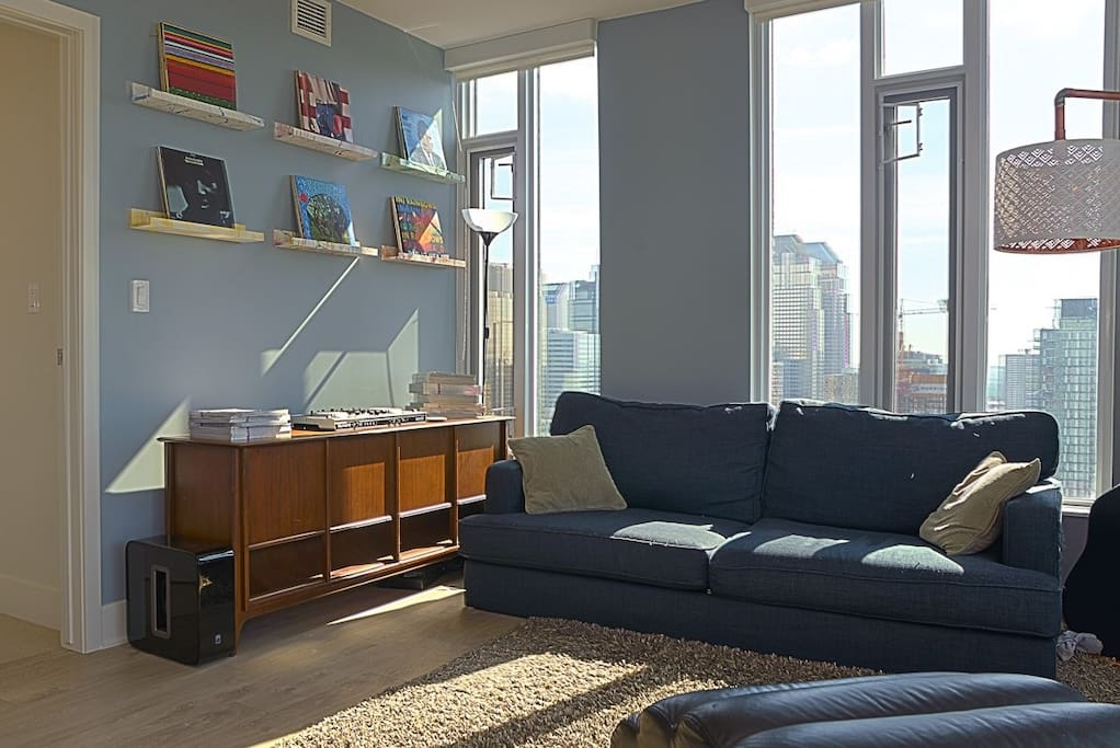 Living Room 9foot Ceilings Panoramic City Views