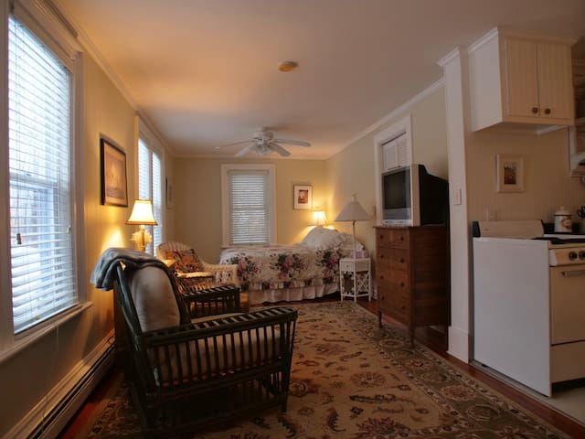 York Harbor Cottage Apt.