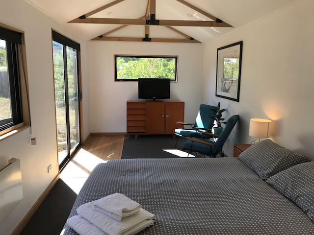 Studio - easy walk to cafes/station - Kyneton - Bungalou