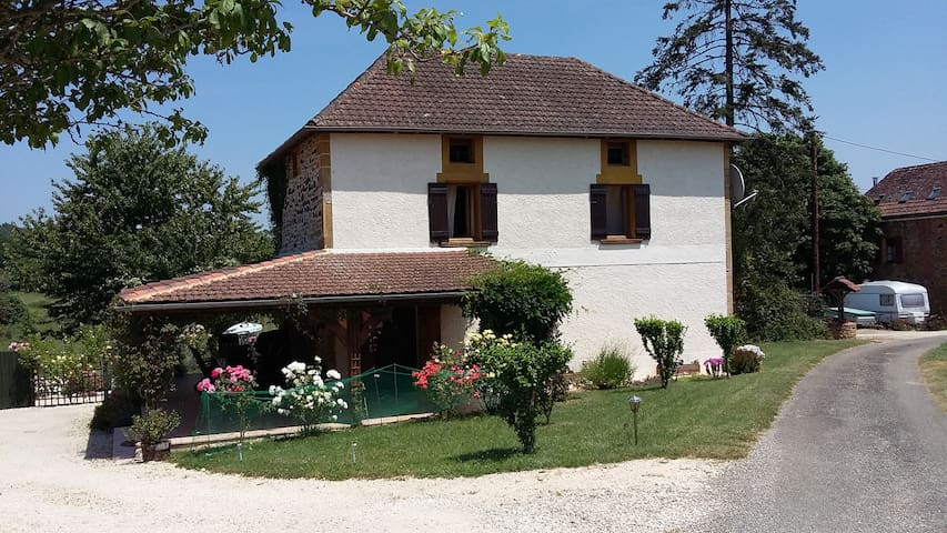 Petit Paradis - charming house with private pool
