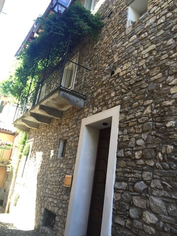 Beautiful house in the heart of Arona