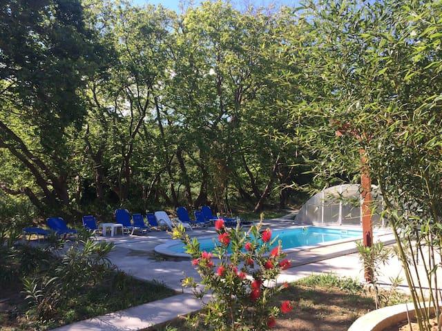 Villa Evia, 3 villas, villa Joanne