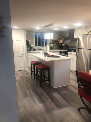 Cozy quiet daylight basement room for rent