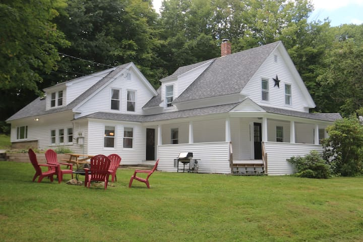 Squam Lake Farmhouse, Beach Access, Winter Skiing