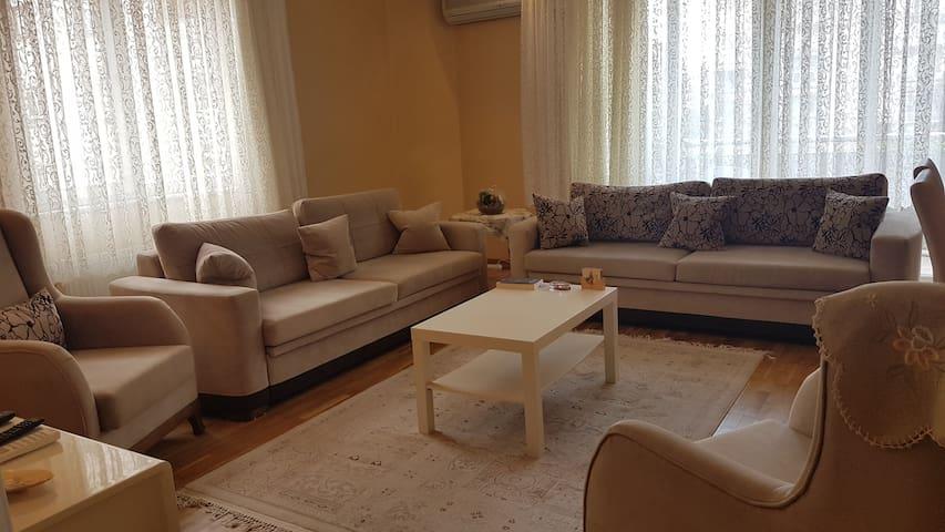 Clean, Cozy, and Comfortable House in Kadıkoy
