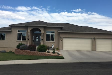 Stunning Mount Garfield/Mesa Views - Grand Junction